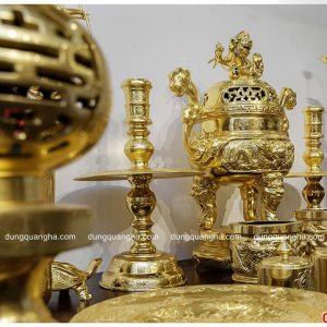 Bộ đồ thờ bằng đồng đầy đủ thếp vàng 9999 trên bàn thờ
