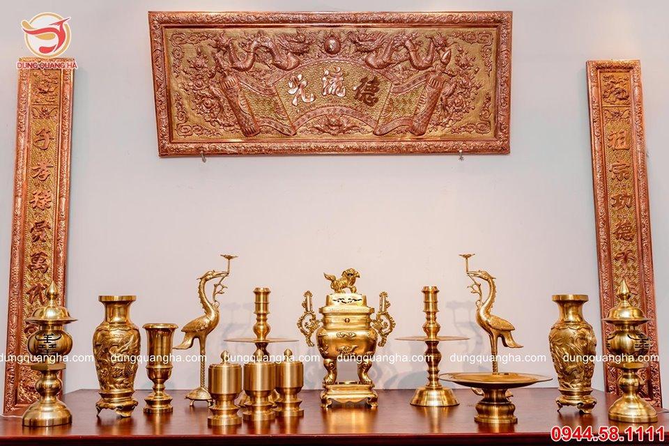 Bộ đồ thờ cúng bằng đồng cát tút - đỉnh vuông đầy đủ