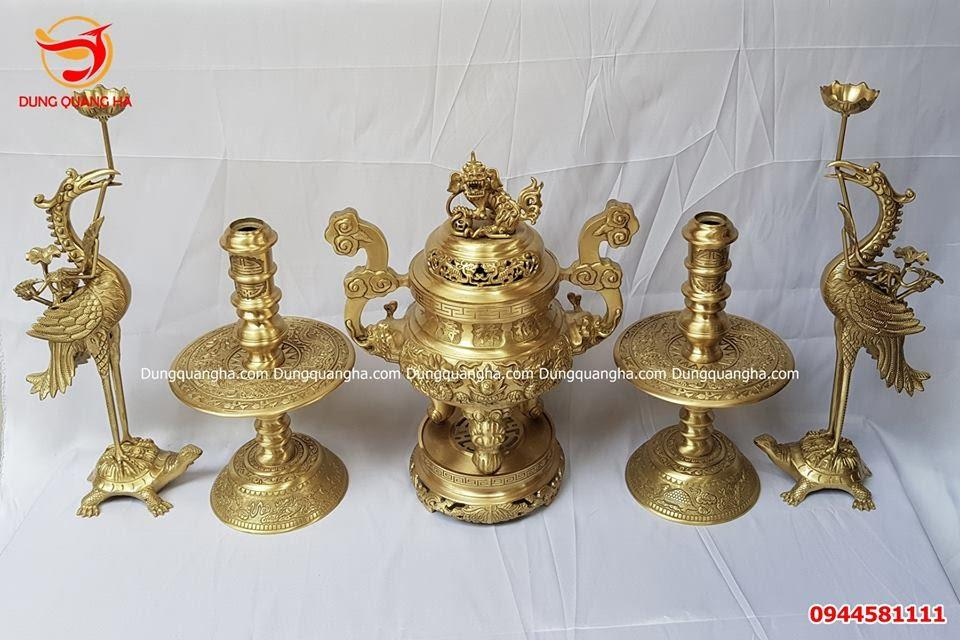 Chân nến bằng đồng vàng chạm rồng phượng