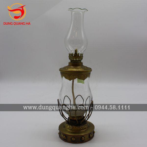 Đèn thờ bằng đồng – vật phẩm điều hòa phong thủy bàn thờ
