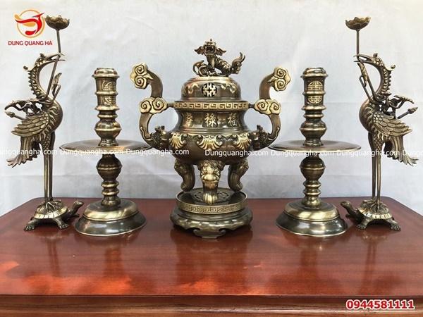 Đôi hạc thờ bằng đồng có ý nghĩa như thế nào trong thờ cúng?