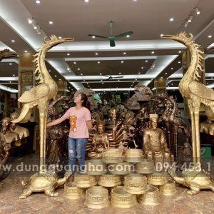 Đôi hạc thờ bằng đồng vàng mộc cao 3 mét