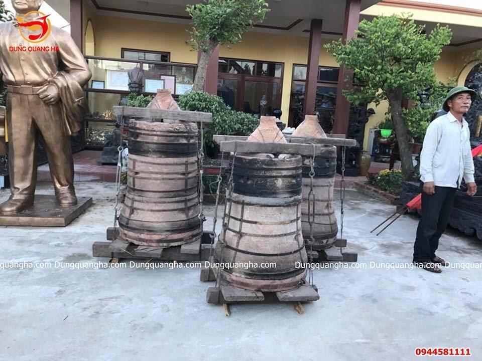 Đúc chuông đồng nặng 350kg