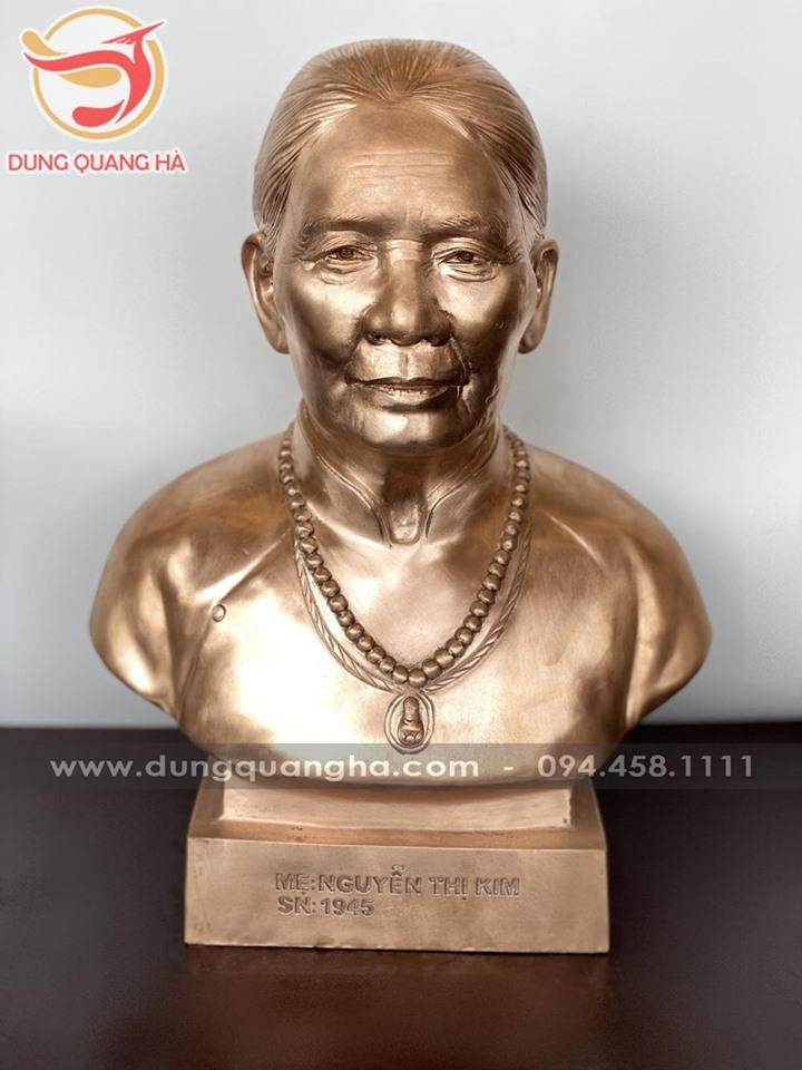 Đúc tượng đồng chân dung bán thân cao 42cm để màu mộc