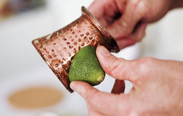 Mẹo làm sạch và đánh bóng đồ đồng đơn giản hiệu quả