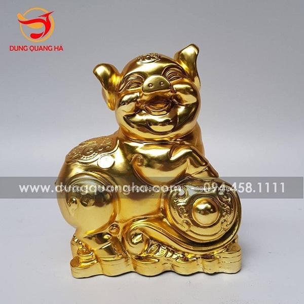 Ý nghĩa phong thủy của tượng heo đồng mạ vàng