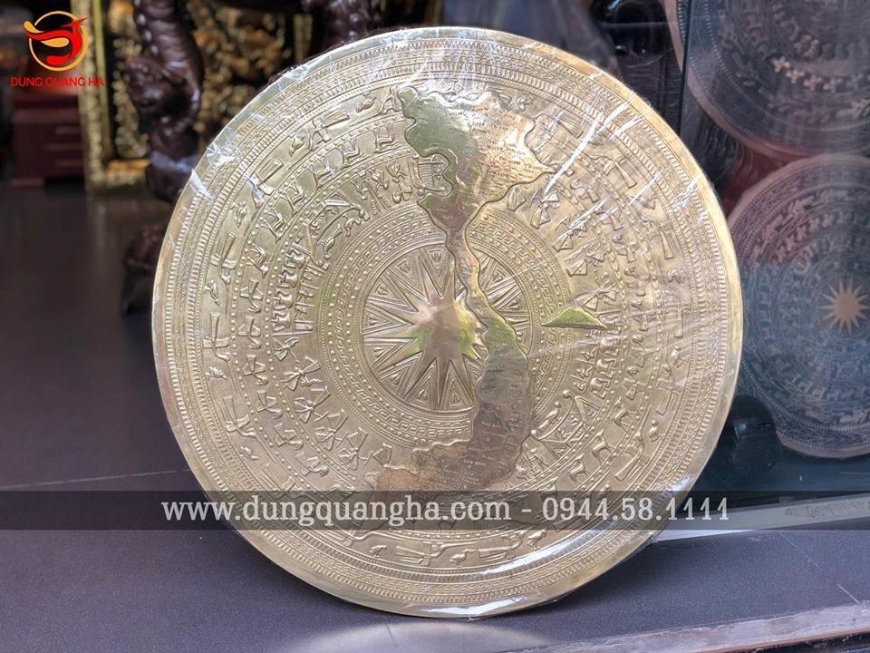 Mặt trống đồng vàng có bản đồ kích thước 1m07