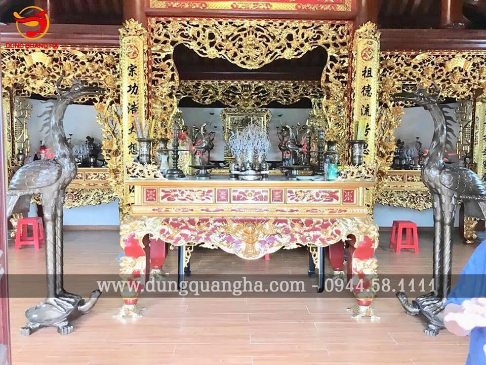 Thếp vàng 9999 cửa võng bàn thờ gia tiên bằng gỗ