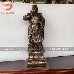Tượng Đức thánh Trần bằng đồng khảm tam khí cổ kính