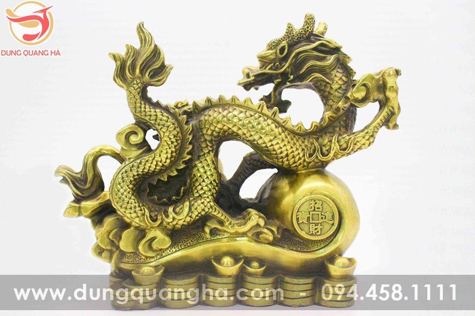 Tượng long mã bằng đồng vàng mộc