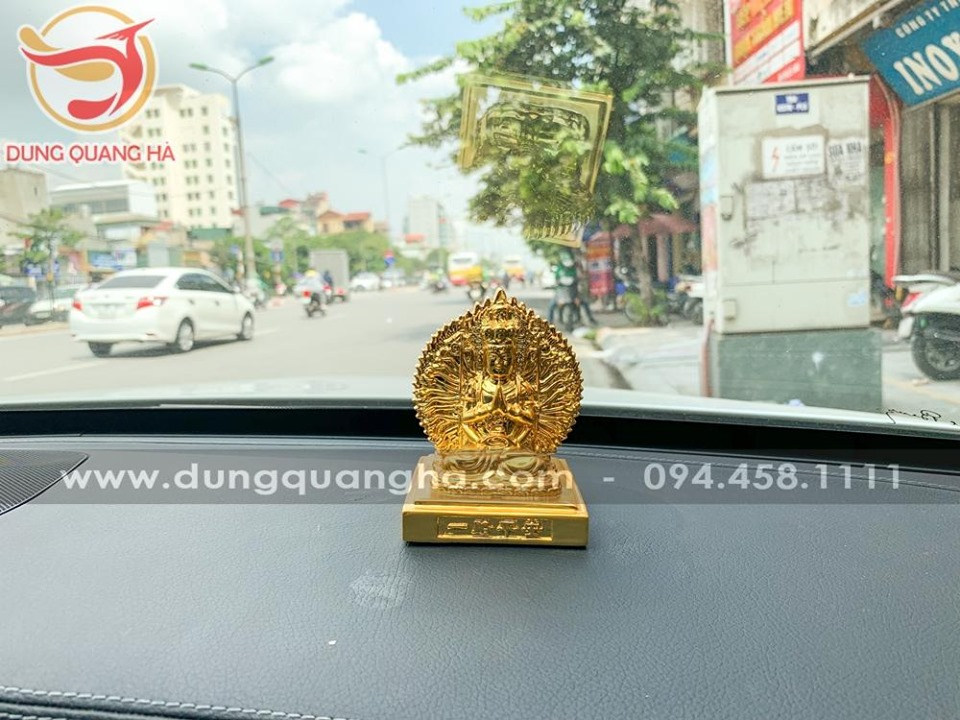 Tượng Phật thiên thủ thiên nhãn mạ vàng để xe ô tô