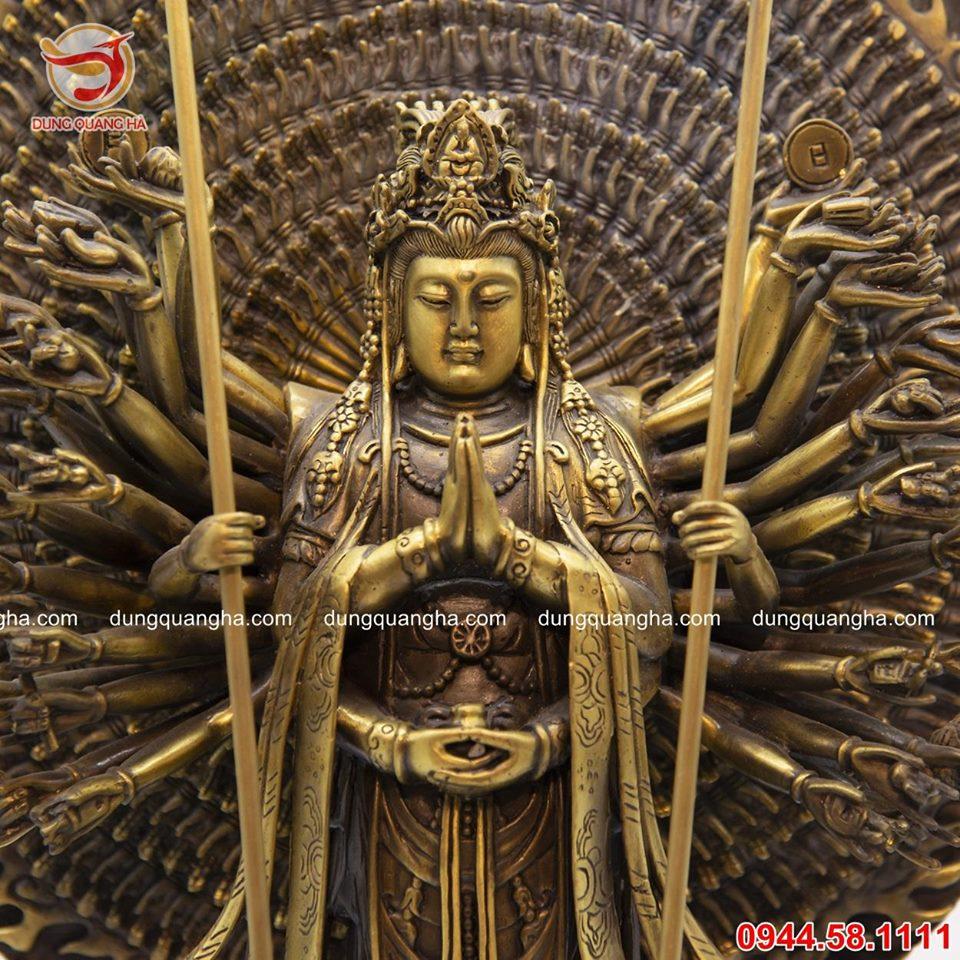 Tượng Phật trăm tay bằng đồng vàng mộc