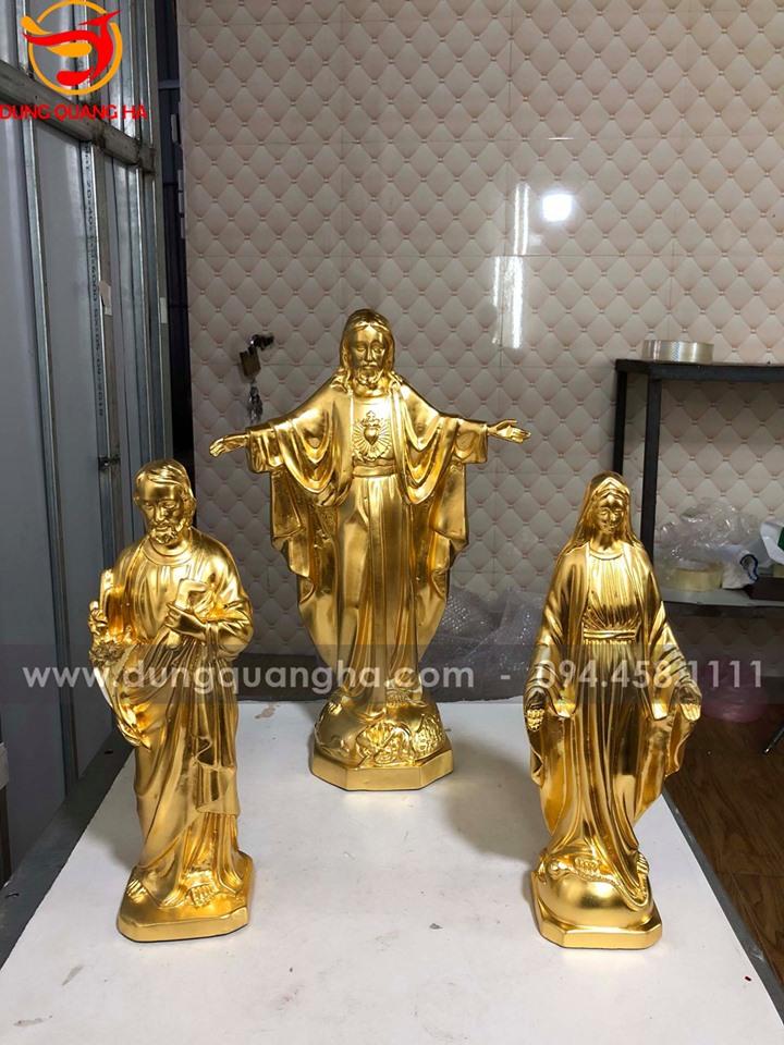 Tượng Thiên Chúa bằng đồng thếp vàng tinh xảo