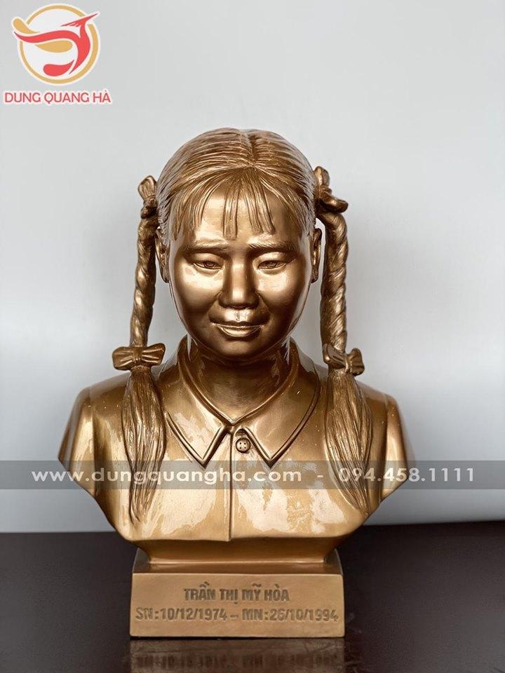 Tượng truyền thần bằng đồng để màu mộc cao 38cm