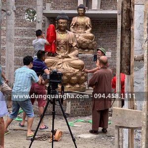 Hoàn thiện bộ tượng Tam Thế Phật bằng đồng cao 2m5