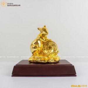 Tượng chuột mạ vàng mẫu 2 ôm tiền xu phú quý