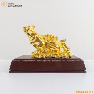 Tượng con chuột kéo túi tiền bằng đồng mạ vàng