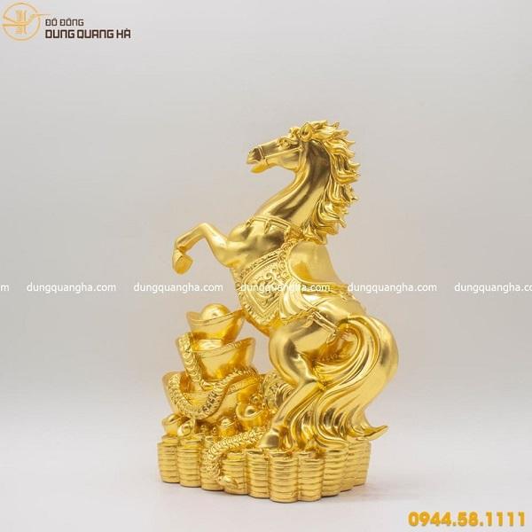 Tượng ngựa bằng đồng thếp vàng mẫu 4 đẹp oai phong