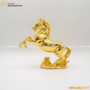 Tượng ngựa thếp vàng mẫu 1 - linh vật phong thủy độc đáo