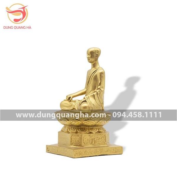 Tượng Phật hoàng Trần Nhân Tông bằng đồng vàng mộc