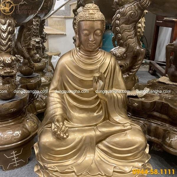 Tượng Phật Thích Ca bằng đồng đỏ cao 67cm