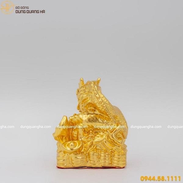 Tượng rồng phong thủy ôm ngọc bằng đồng thếp vàng 9999