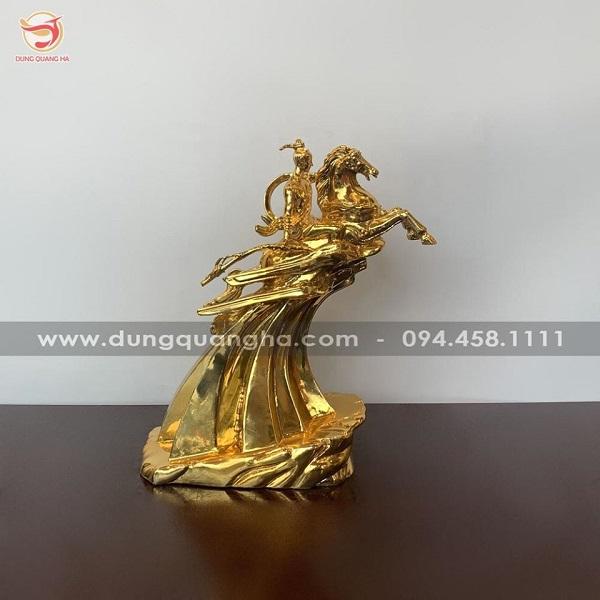 Tượng Thánh Gióng bằng đồng mạ vàng 24k