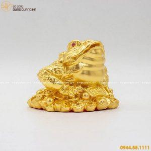 Tượng Thiềm Thừ phong thủy bằng đồng thếp vàng tinh xảo