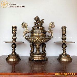 Bộ đồ thờ tam sự đỉnh nến bằng đồng khảm ngũ sắc tinh xảo