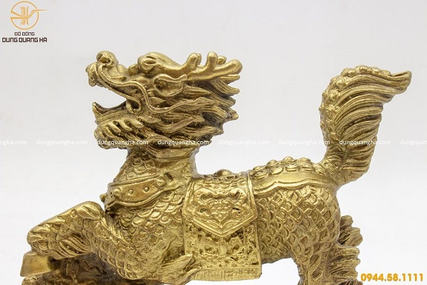 Cặp tượng Kỳ Lân bằng đồng vàng mộc