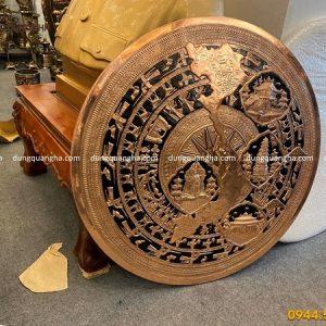 Mặt trống đồng đỏ 80cm đúc nổi họa tiết di tích lịch sử Việt Nam