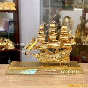 Thuyền buồm mạ vàng mẫu 1 - quà tặng bằng đồng tinh xảo