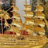 Thuyền buồm mạ vàng mẫu 2 - món quà phong thủy độc đáo
