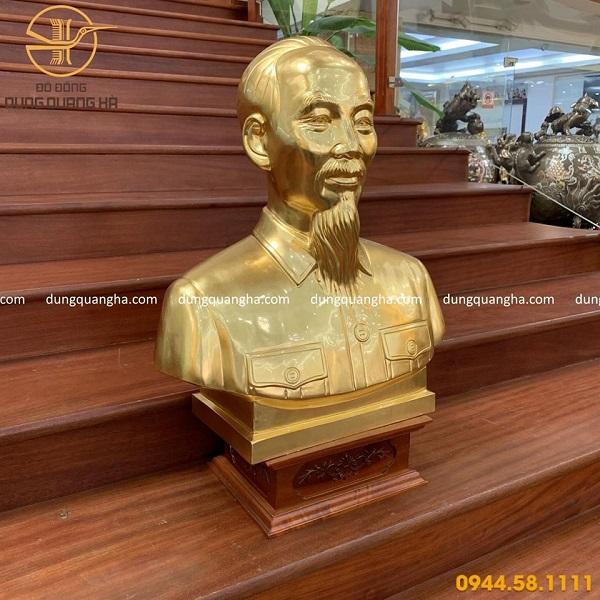 Tượng Bác Hồ bán thân bằng đồng dát vàng 9999 cao 60cm