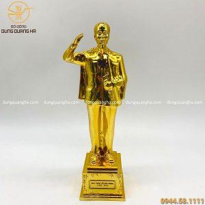Tượng Bác Hồ vẫy tay chào mạ vàng 24k cỡ nhỏ