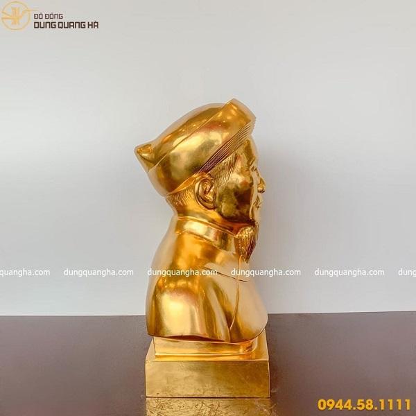 Tượng chân dung ông bà đẹp bằng đồng thếp vàng 9999