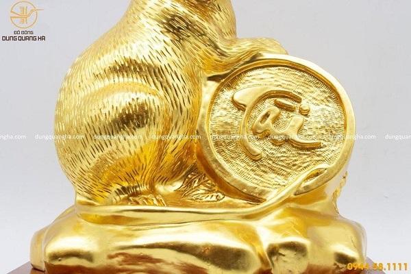 Tượng chuột thếp vàng ôm tiền xu chữ Tài