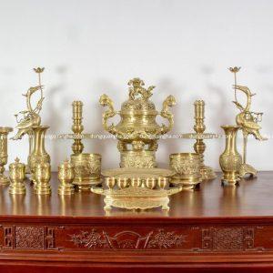 Bộ đồ thờ cúng đầy đủ đồng vàng mộc - cao 60cm chạm rồng mẫu 1