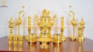 Bộ đồ thờ đầy đủ bằng đồng dát vàng 9999 cao 70cm chạm rồng
