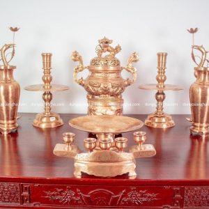 Bộ đồ thờ đầy đủ bằng đồng đỏ mộc - đỉnh 60cm chạm rồng