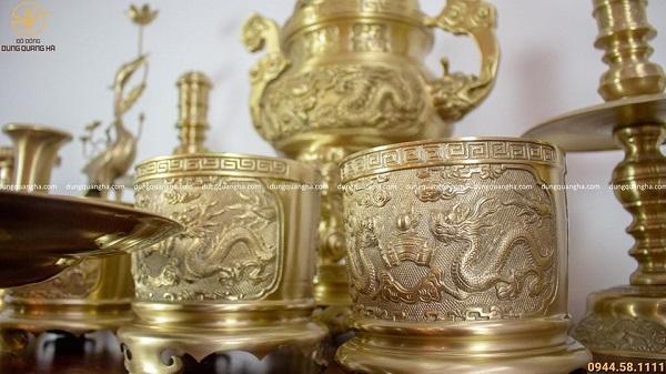 Bộ đồ thờ đầy đủ đồng vàng mộc - cao 60cm chạm rồng (mẫu 2)
