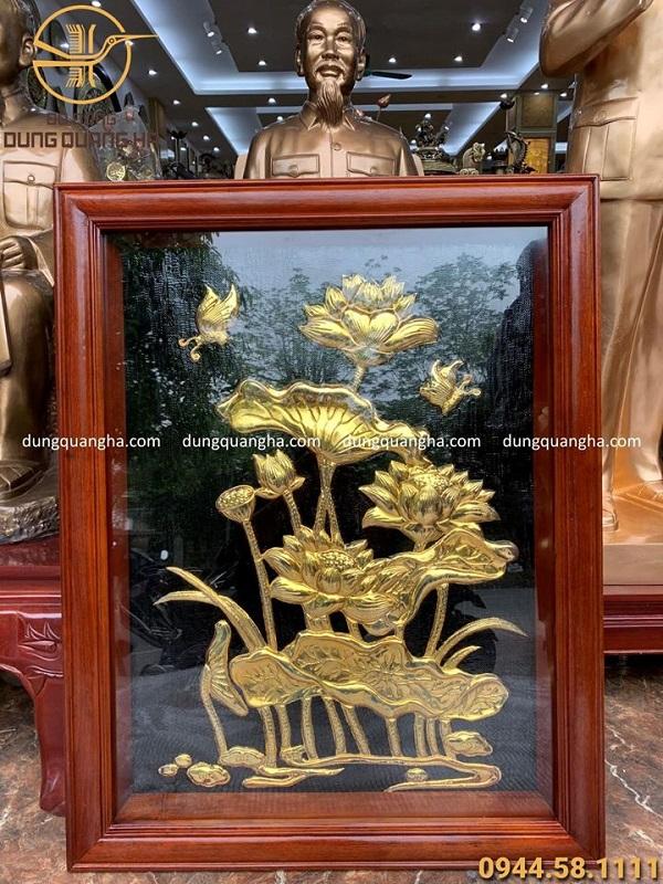 Tranh hoa sen phong thủy hàng đặt kích thước 60 x 80 cm