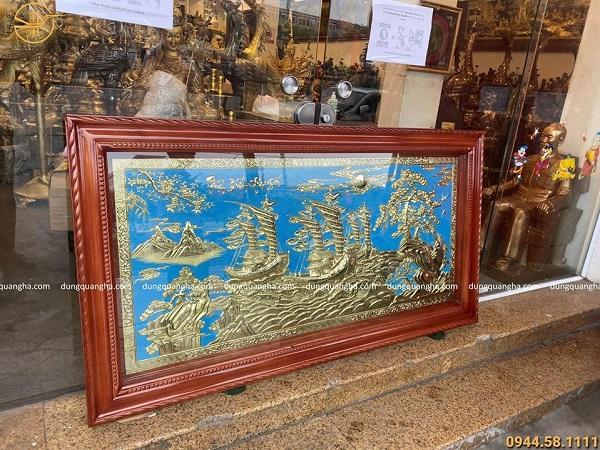 Tranh Thuận Buồm Xuôi Gió 1m7 đồng vàng mộc, nền xanh