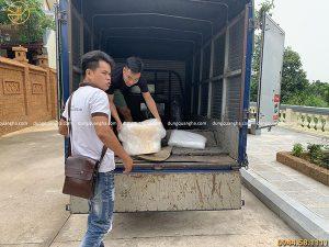 Giao hàng cho khách Hà Nam