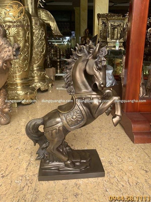 Tượng ngựa bằng đồng vàng cát tút hun giả cổ cao 60cm