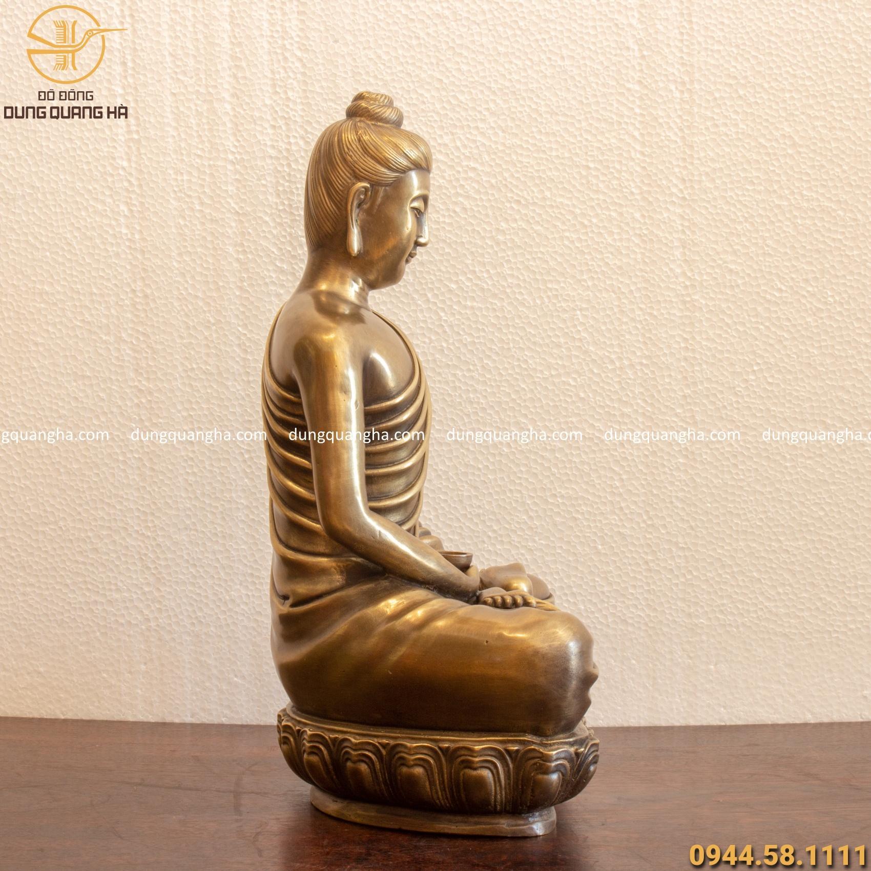 Tượng Phật Thích Ca bằng đồng vàng hun cổ kính tinh xảo