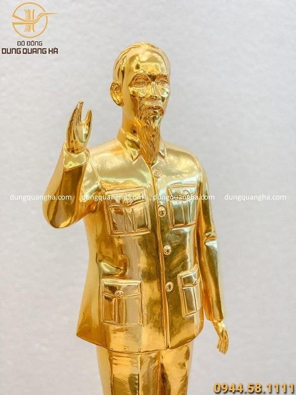 Tượng Bác Hồ vẫy tay chào bằng đồng mạ vàng 24k cao 71cm