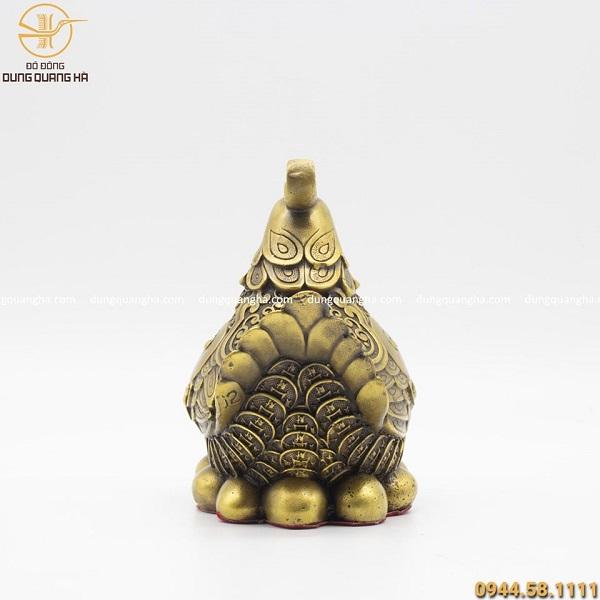 Tượng gà mái phong thủy ấp trứng vàng bằng đồng cao 14cm