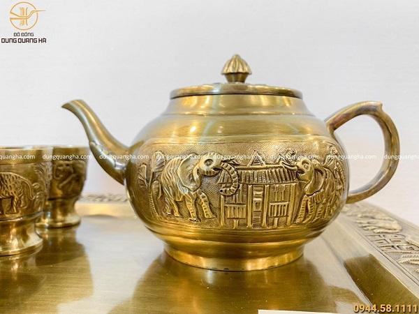 Bộ khay ấm chén bằng đồng vàng mộc họa tiết nhà Rông Tây Nguyên