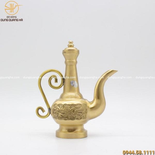 Nậm rượu đẹp bằng đồng vàng cát tút cao 21cm